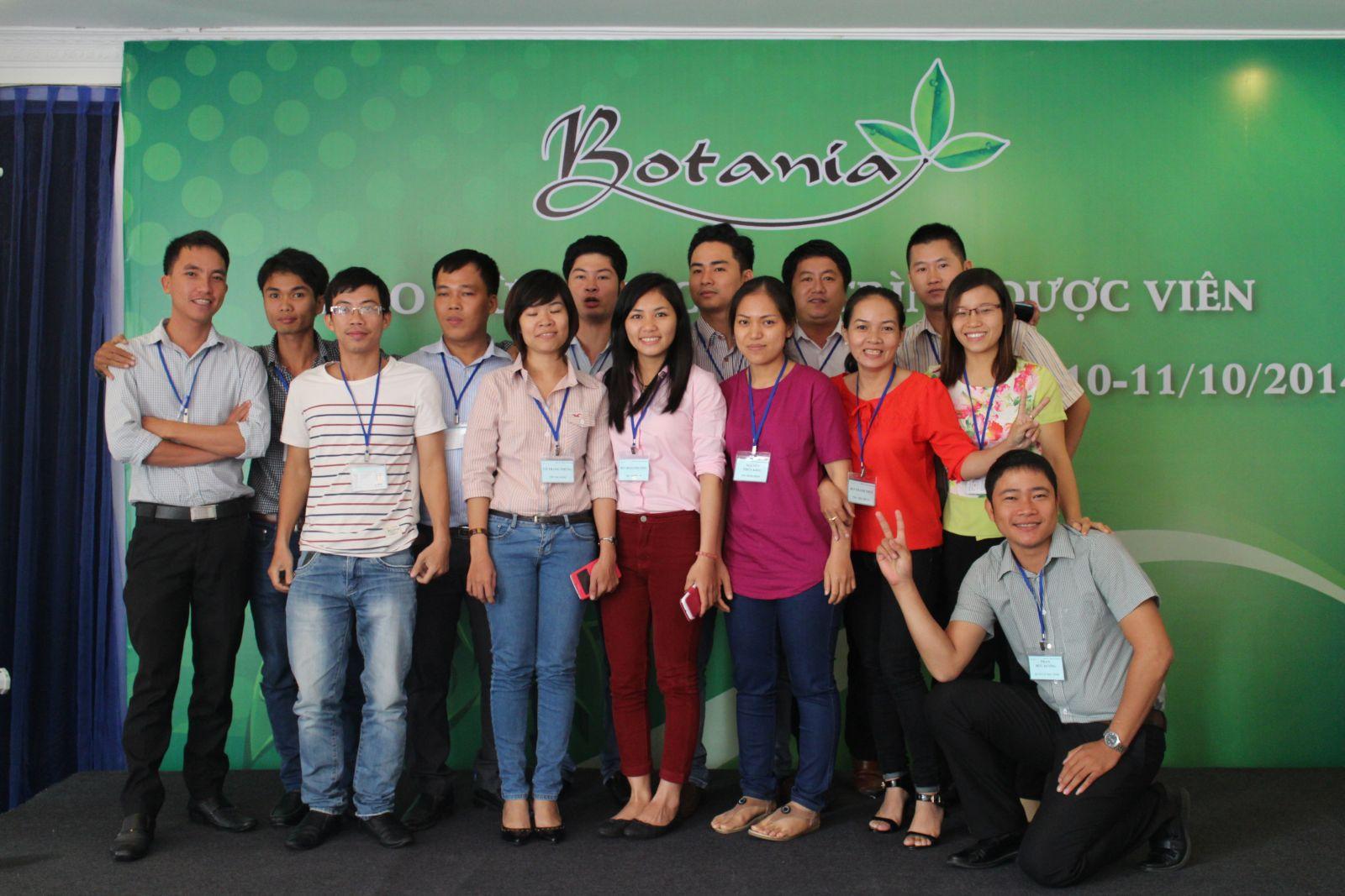 Chùm ảnh sự kiện tập huấn – tổng kết 6 tháng đầu năm 2014 botania